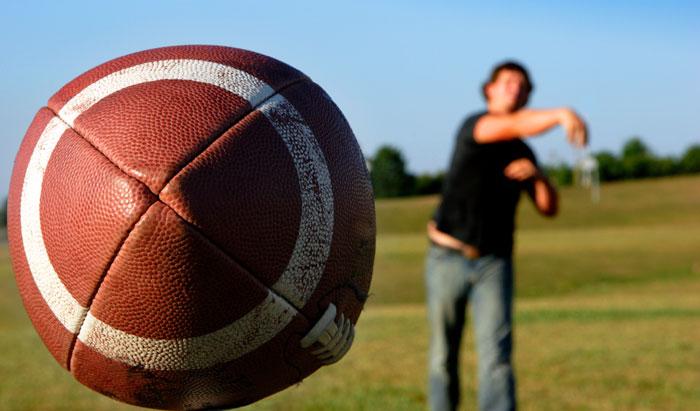 throw football